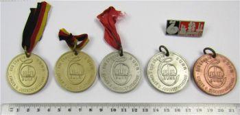 Posten DDR Abzeichen Medaillen chemische Werke Buna Schkopau 1966 - 1967