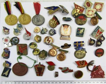 Posten DDR Abzeichen Medaillen Feuerwehr Turnen Kampfsport FDJ Lenin Buchenwald